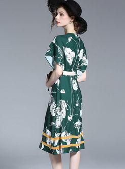 Fashionable Oversize Hit Color Print Skater Dress With Belt