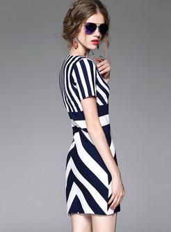 Sexy Asymmetrical Striated V-neck Short Sleeve Bodycon Dress