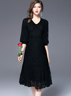 Sexy Lace Splicing Hollow-out V-neck Half Sleeve Slim Skater Dress