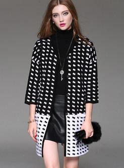 Stylish V-neck Contrast Color Knitted Coat