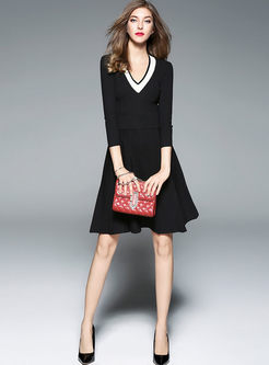 Brief Slim V-neck Gathered Waist Knitted Dress