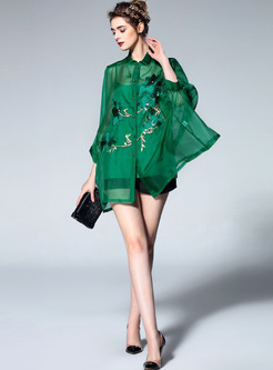 Green Embroidery Bat Sleeve Blouse