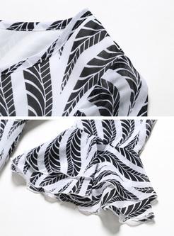 Brief Wave Print Flare Sleeve Maxi Dress