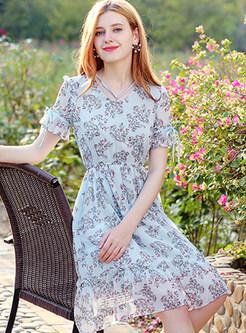 Sweet Floral Print V-neck Skater Dress