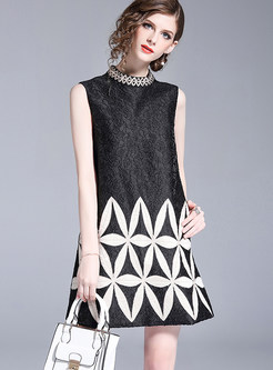 Black Jacquard Embroidered Sleeveless Shift Dress