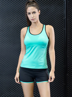 Chic Sport Sleeveless Scoop Top
