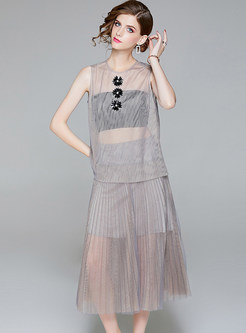 Grey Sexy Perspective Top & Pleated Skirt