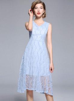 Blue Brief Sleeveless Lace Midi Dress
