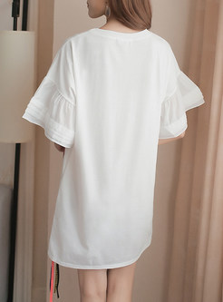 White Street Print Ribbon T-shirt Dress