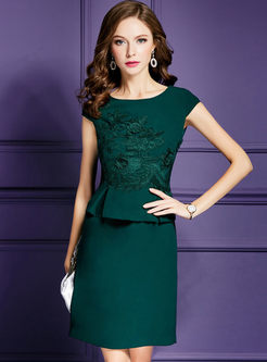 Green Short Sleeve Embroidery Flouncing Sheath Dress