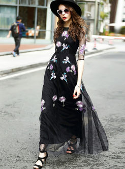 Black Mesh Embroidery Perspective Maxi Dress