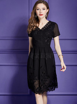 Black V-neck Short Sleeve Skater Dress