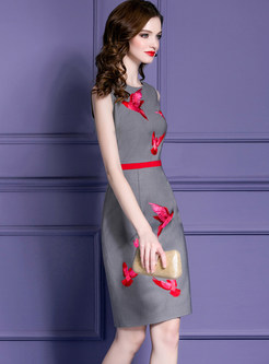 Party O-neck Sleeveless Embroidered Skinny Dress
