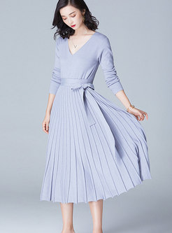 Stylish Cross Neck Long Sleeve Pleated Knitted Dress