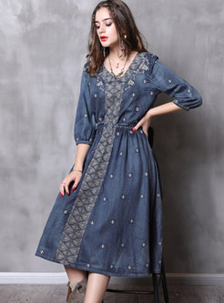 Stylish V-neck Embroidered Elastic Waist Denim Dress