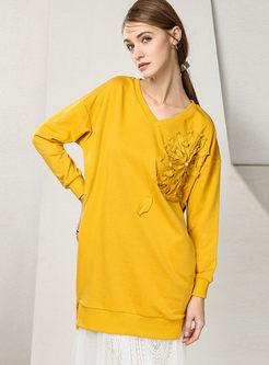 Stylish Pure Color Appliqued V-neck Loose Sweatshirt