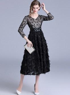 Stylish V-neck Lace Splicing Feather Tassel Dress