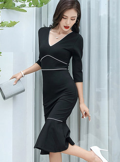 Color-blocked V-neck Three Quarters Sleeve Slim Mermaid Dress