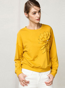 Stylish Solid Color Patchwork Flower Pullover Sweatshirt