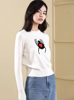Fashion White O-neck Embroidered Pullover Sweater