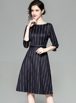 O-neck Three Quarters Sleeve Striped Waist Dress