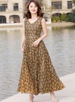 Vintage Print V-neck Sleeveless Maxi Dress