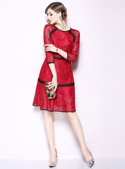 Color-blocked O-neck Three Quarters Sleeve Slim Lace Dress