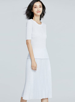 Casual O-neck Knitted T-shirt & Pleated Skirt