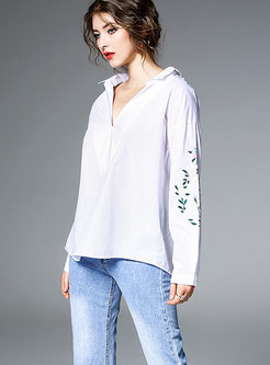 Brief White V-neck Loose Embroidered Blouse
