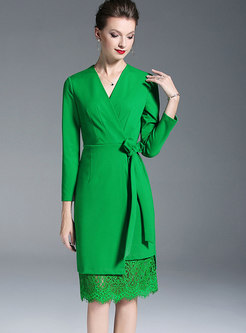 Fashion Green V-neck Lace Splicing Belted Knitted Dress