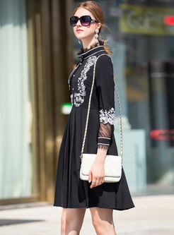 Chic Splicing Embroidered Stand Collar Waist Pleated Dress