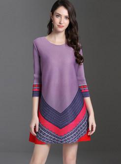 Color-blocked Plus Size Pleated Mini Loose Dress