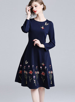 O-neck Long Sleeve Waist Embroidered Big Hem Dress