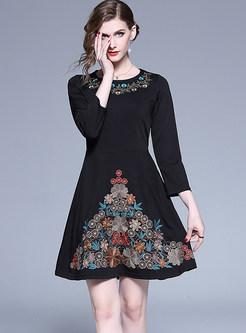 O-neck Long Sleeve Embroidered Waist Skater Dress