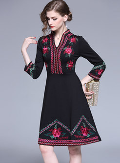 Stylish Embroidered V-neck Slim Skater Dress