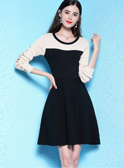 Chic O-neck Hollow Out Long Sleeve Splicing Knitted Dress