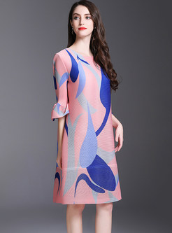 FashionO-neck Flare Sleeve Print Shift Dress