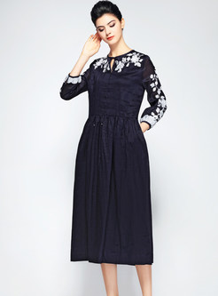 Vintage O-neck Tied High Waist Embroidered Dress