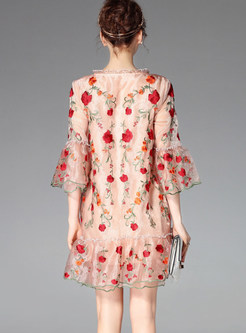 O-neck Flare Sleeve Embroidered Loose Shift Dress