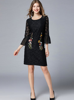 Fashion Flare Sleeve Embroidered Mini Bodycon Dress