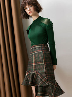 Chic Green Semi-sheer Shoulder Top & Plaid Asymmetric Hem Skirt