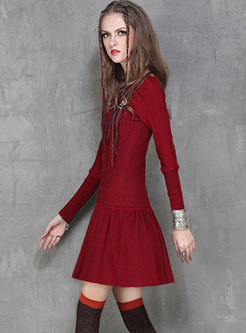 Solid Color O-neck Long Sleeve Pleated Dress