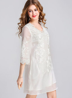 Chic V-neck Embroidered Three Quarters Sleeve Shift Dress