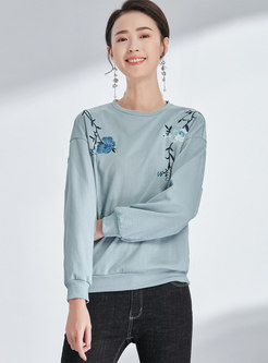 Casual Embroidered O-neck Loose Sweatshirt