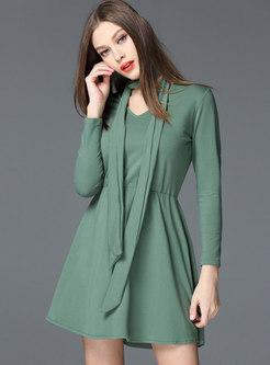 Pure Color V-neck High Waist Skater Dress With Tie f0cdf0ccc