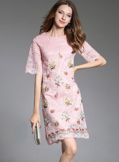 Sweet O-neck Half Sleeve Embroidered Lace Bodycon Dress