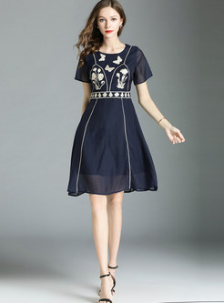 O-neck Short Sleeve High Waist Embroidered Skater Dress