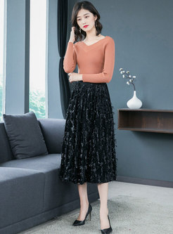 Stylish Elastic Waist Tassel Patch A Line Skirt