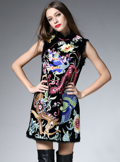Retro Ethnic Embroidered Stand Collar Sleeveless Shift Dress