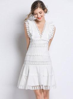 Lace Splicing V-neck Sleeveless Skater Dress